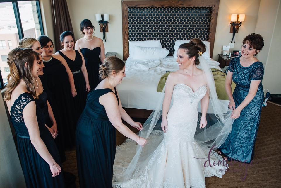 oread hotel wedding ladies getting ready