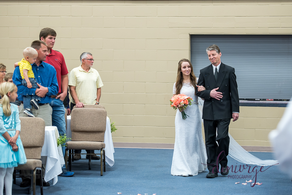 dad walking bride down the aisle, flint hills christian church