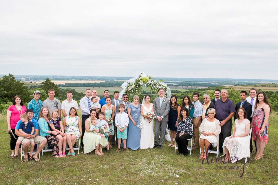 extended family photo wedding day