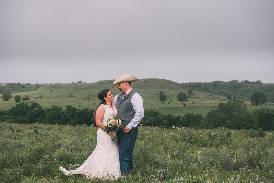 bride and groom ranch wedding