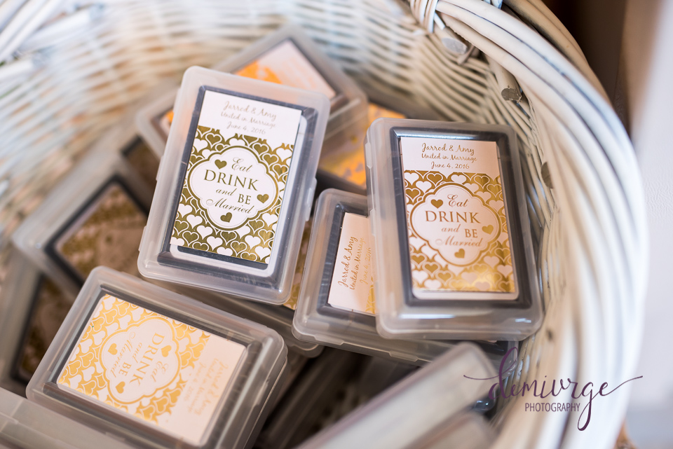 playing cards as a wedding guest favor